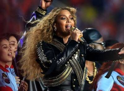 519480174-WATCH-Beyonce-Slays-at-Super-Bowl-50-Then