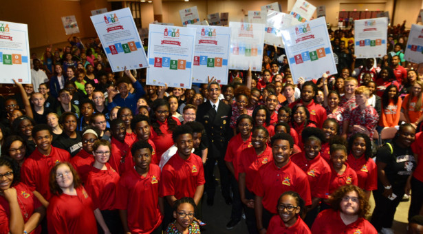 """U.S. Surgeon General Joins """"I'm a Star"""" and Mayor  to Empasize Nutrition in Health inJacksonville"""